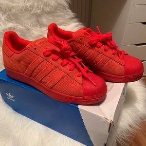 Adidas superstars red size 5